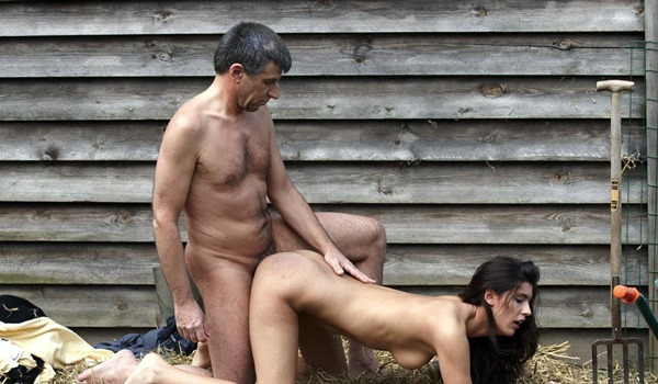 farm-chick-gets-fucked-doggy